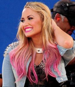 Demi Lovato Dip-dye pink hair