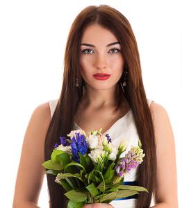 Straight-and-Sleek-hair-for-a-wedding