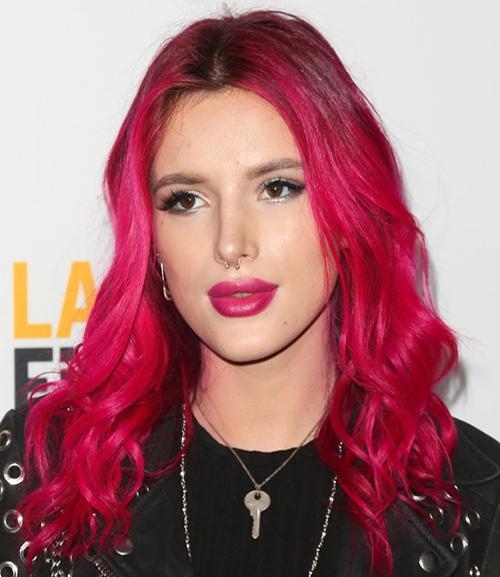 Bella Thorne Sizzling hot pink hair