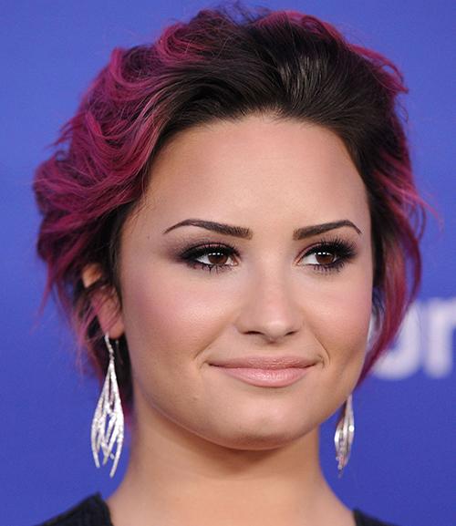 Demi Lovato magenta balayage hair