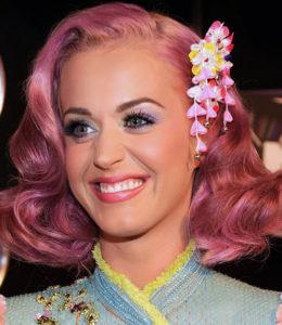 Katy Perry Bubblegum pink hair