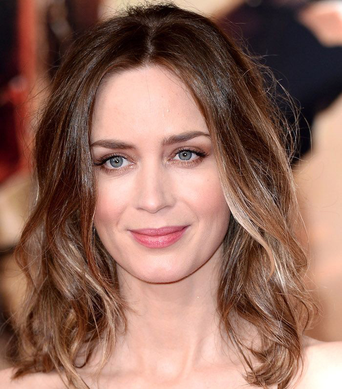 Emily Blunt dark brown hair with light streaks